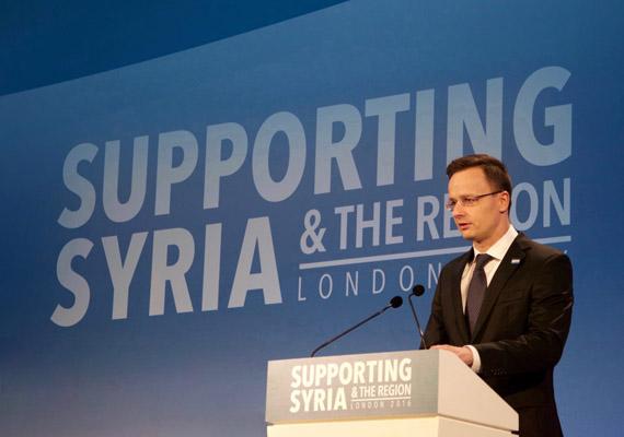 A londoni II. Erzsébet Konferencia Központban nemzetközi konferenciát rendeztek Szíria megsegítésére. A résztvevő országok felajánlásokat tettek a szíriai helyzet javítására, Magyarország kórházak építéséhez járulna hozzá.
