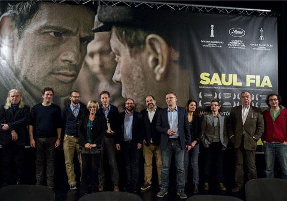 Nemes Jeles László filmjét, a Saul fiát Oscar-díjra jelölték a legjobb idegen nyelvű alkotások kategóriájában. Január 10-én már Golden Globe-ot kapott, így méltán lehet bízni a további sikerben.