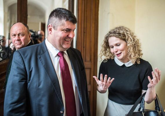 Döntés született a Hagyó-perben. Hagyó Miklóst, Budapest volt főpolgármester-helyettesét hűtlen kezeléssel vádolták, első fokon két év felfüggesztett kapott.