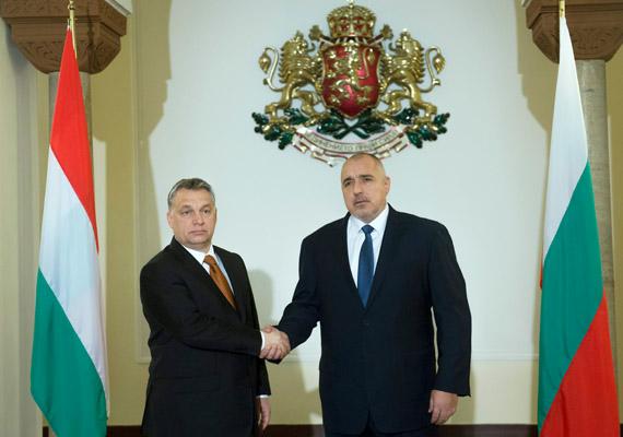 Orbán Viktor a hét második felében már Bulgáriába utazott, hogy többek között a migrációs válságról tárgyaljon a bolgár miniszterelnökkel, Bojko Boriszovval.