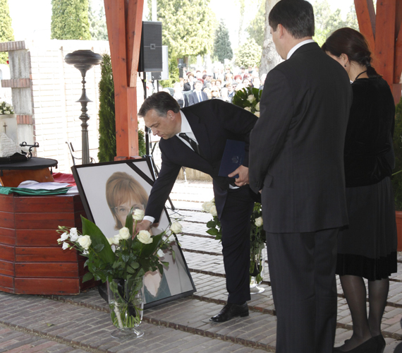 Eltemették Szalai Annamáriát.