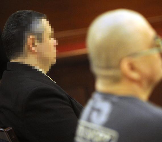 A csepeli kettős gyilkosság elsőrendű vádlottját tényleges életfogytiglan tartó szabadságvesztésre, a másodrendű vádlottat szintén életfogytiglanra ítélte a bíróság előre kitervelt, aljas indokból elkövetett emberölésért.