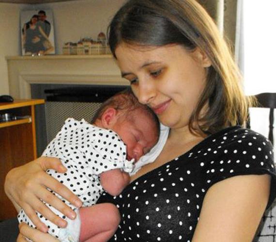 Dúró Dóra kislányával, politikusok anyaszerepben.