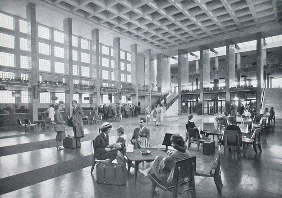 A Ferihegyi Repülőteret 63 évvel ezelőtt, május 7-én avatták fel a polgári közlekedés számára.