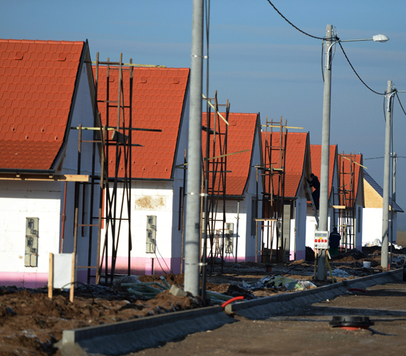 Az arra jogosultak február 15-ig pályázhatnak arra, hogy bérlői legyenek az ócsai szociális lakópark egyik lakásának, a döntést március 25-én hozza meg az arra jogosult bizottság.