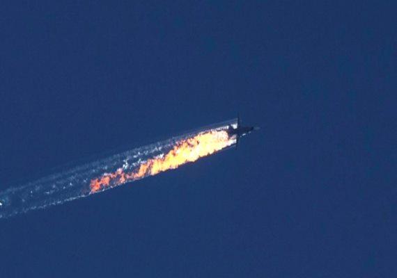 Kedden a török légierő lelőtt egy orosz vadászgépet, amelyik 17 másodpercre megsértette a légteret a török-szír határon. A lelőtt vadászgép pilótái katapultáltak, egyiküket a szírek megölték, a másik pilóta életben maradt, őt Oroszországba szállították.