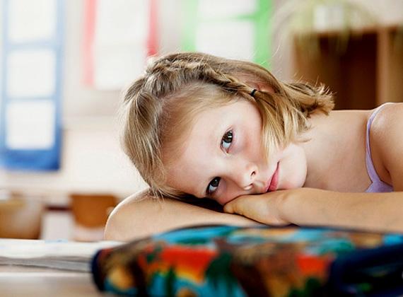 Meditáció vagy foci? A Köznevelésért Felelős Államtitkárság bejelentette, hogy heti két alkalommal szabadon választható időtöltés keretein belül meditálniuk kell a közoktatásban tanulóknak.