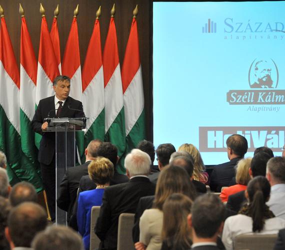Orbán Viktor csütörtökön kétévértékelt.