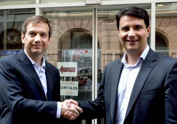 A héten megállapodás született az Együtt 2014 elnöke, Bajnai Gordon és az MSZP elnöke, Mesterházy Attila között. Közös program kidolgozásába kezdtek, melyet már a pártok honlapján is meg lehet találni. A személyi kérdésekről a nyár folyamán döntenek.