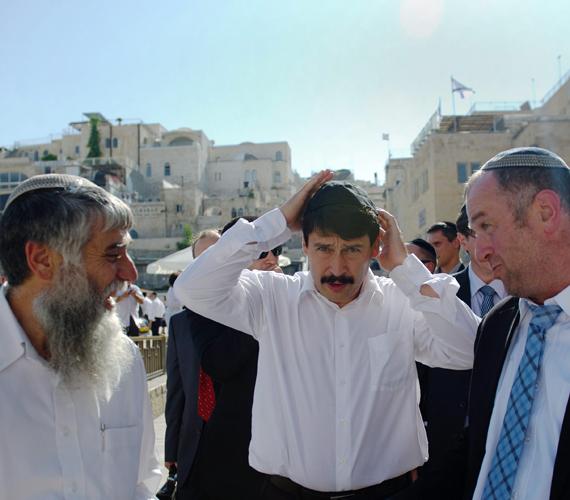 Mindeközben Áder János háromnapos látogatást tett Izraelben.
