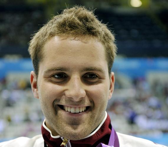 Sors Tamás világcsúccsal első, és így már kétszeres olimpiai bajnok, négy éve is ő nyert.