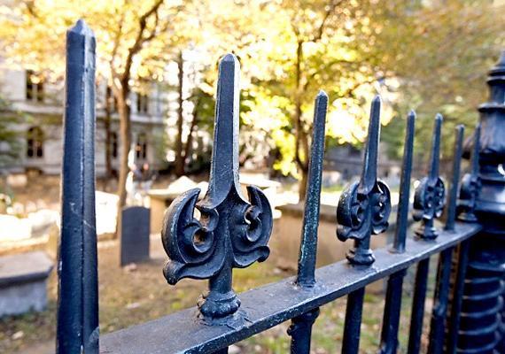A parlament szeptember 9-én elfogadta a temetkezésről szóló törvény módosítását, mely bevezeti a szociális temetést.