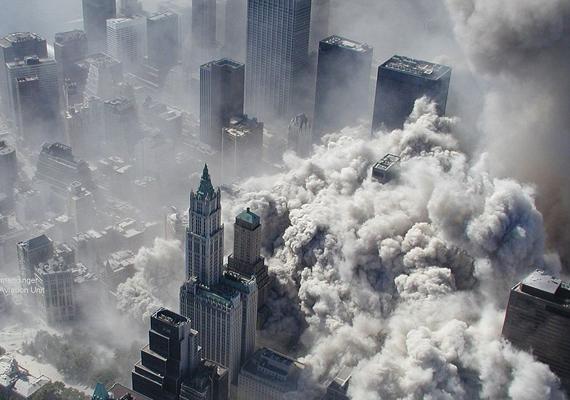A héten volt 12 éve annak, hogy az Al-Kaida öngyilkos merénylői eltérítettek négy utasszállító repülőgépet Amerikában, aminek következtében a World Trade Center ikertornyai összeomlottak.
