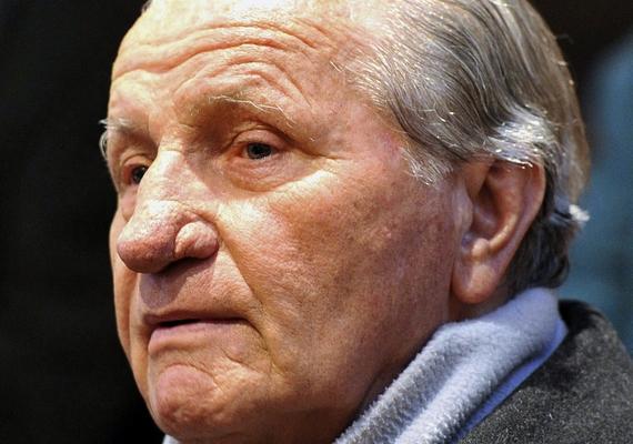 Kedden hajnalban, 82 évesen elhunyt Für Lajos volt honvédelmi miniszter. A történtek részleteiről itt olvashatsz.