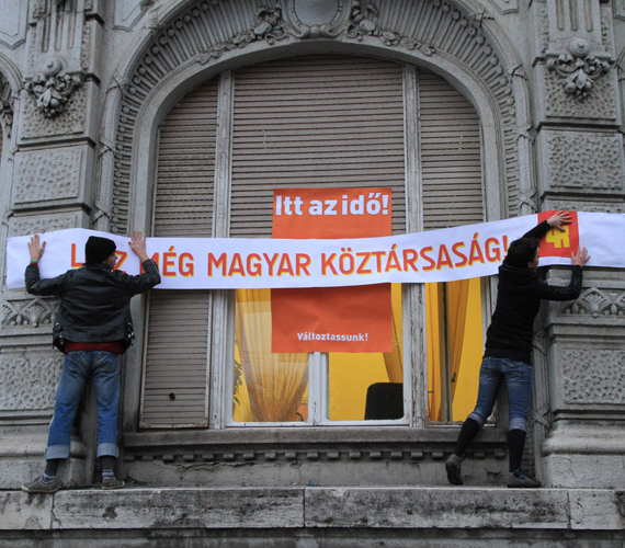 Akcióban a 4K, ami párttá alakult, és nem csatlakozik az Együtt 2014-hez.