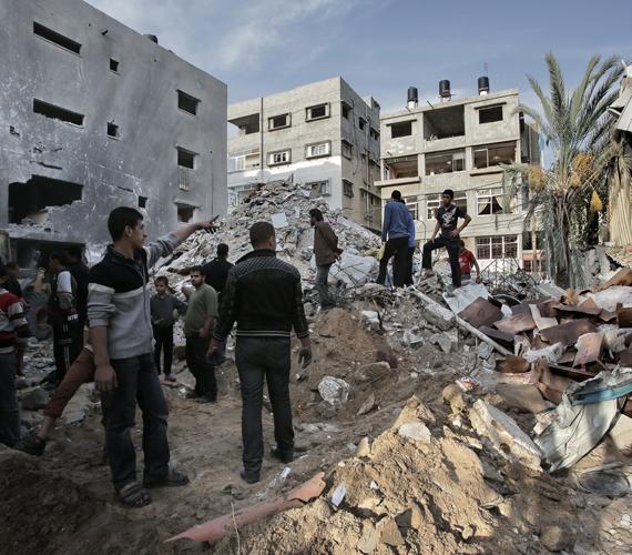 Eldurvultak a harcok a palesztinok és az izraeliek között.