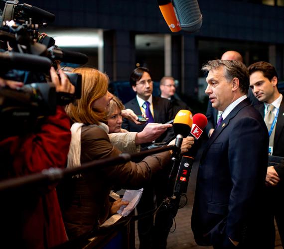 Csütörtök késő este alig kezdődött meg, nem sokkal éjfél után már fel is függesztették - péntek délig - az unió 2014 és 2020 közötti időszakának keretköltségvetéséről szóló EU-csúcstalálkozót.