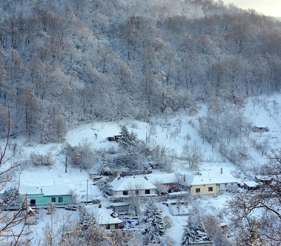 A héten megjött az igaz tél, hétfő reggelre 8-10 centiméteres hó esett a Mecsekben.