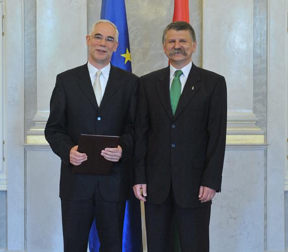 Csúcsminiszter lett az eddig romaügyekkel foglalkozó államtitkár. Balogh Zoltán az Emberi Erőforrások Minisztériumának vezetőjeként dolgozik tovább.
