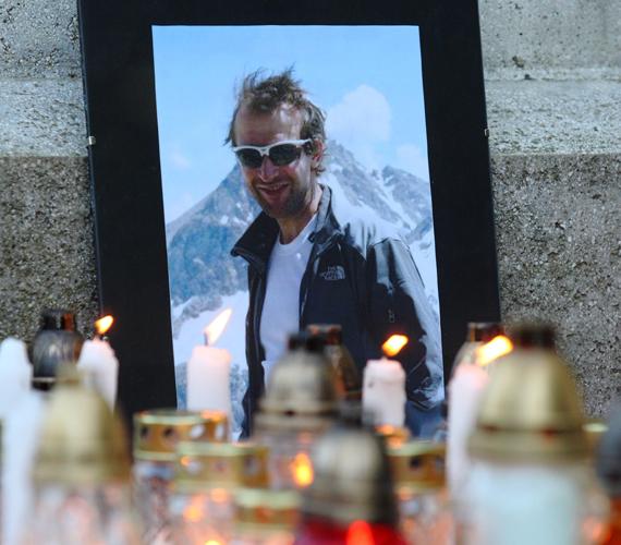 Horváth Erőss Zsolttal, Kollár Lajossal és Mécs Lászlóval a Himalája egyik legveszélyesebb hegye, a 8091 méteres Annapurna megmászására készült.