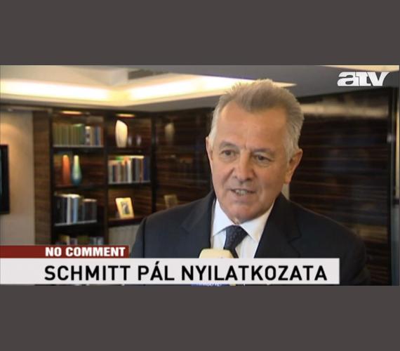 Szerda dél. Schmitt bejelenti, esze ágában sincs lemondani, a jelentés őt igazolja.