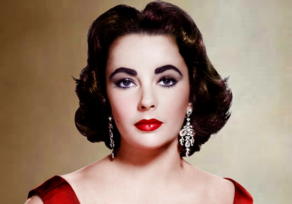 2011. március 23-án, 88 évesen hunyt el a többszörös Oscar-díjas angol-amerikai színésznő, Elizabeth Taylor. Bár életében sokan Liznek hívták a sztárt, ő jobban szerette, ha teljes keresztnevén szólították.