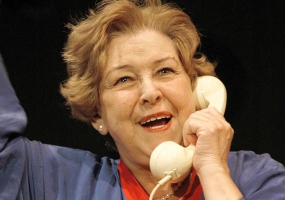 Szeptemberben lett 77 éves a magyar színésznő, Pásztor Erzsi. A Kossuth- és Jászai Mari-díjas művész színház- és filmszerepei mellett szinkronhangként is ismert.