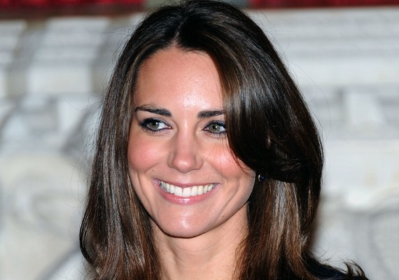 A 30 éves Kate Middleton, vagyis Katalin hercegnő talán a leghíresebb ma élő Katalin. Ő a brit királynő, II. Erzsébet unokájának, Vilmos hercegnek a felesége.