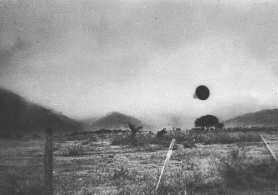 1960. július 3-án az argentin légierő kapitánya fedezte fel a fekete pöttyöt a horizonton, Cordóba közelében.