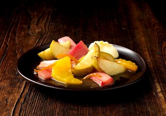 Ugyanez a helyzet a gyümölcssalátával is, csak itt nem az öntet, hanem a hozzáadott vaníliás vagy kristálycukor a veszélyes.