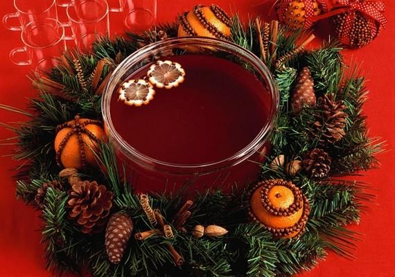 Persze a karácsonyi puncs nagyon finom, de sajnos ugyanennyire hizlal.