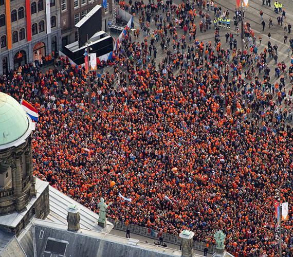 Így ünnepelte az új királyt Hollandia.