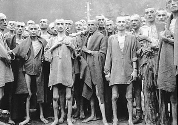 Szó szerint csontsoványra fogytak a foglyok az auschwitzi koncentrációs táborokban.