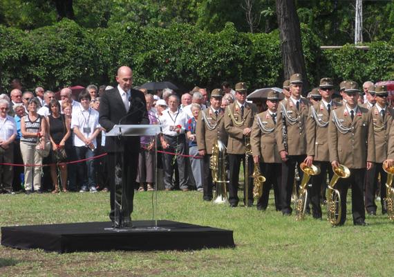 Kulka János egy Füst Milán-verssel búcsúztatta a volt miniszterelnököt.