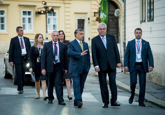 A horvát csatlakozási ünnepséggel párhuzamosan a horvát-szlovén határátkelőnél ünnepélyes keretek között levették a vámhatárt jelző táblát. A rendezvényen a magyar nemzetgazdasági miniszter, Varga Mihály is beszédet mondott.