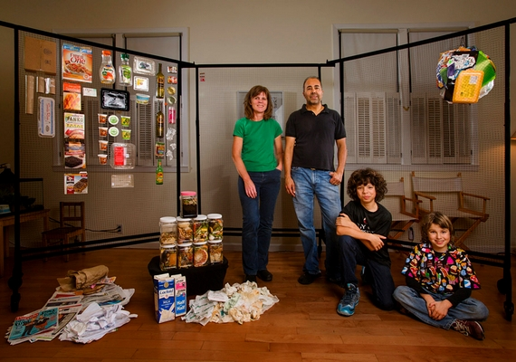 A Rao család szintén San Franciscóban él, kukájuk hetente 13,79 kilogrammnyi szeméttel telik meg, melynek csupán 7%-át kellene kidobni, mert 93% újrahasznosítható volna.