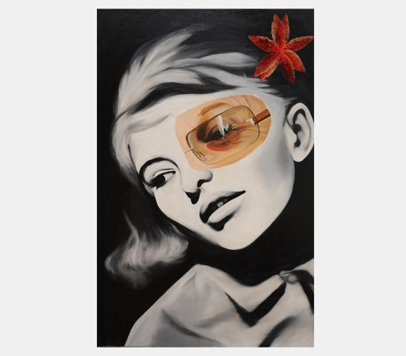 Törőcsik Mari virágai - Sipos BarbaraKeleti Éva fotója alapján készült a mestermű, amely Törőcsik Mari egykori és mostani énjét ábrázolja. Sipos Barbara, az alkotó azonban nem elégedett meg ennyivel, a sarokban látható virággal egészítette ki a festményt, amely Tordai Hajnal Jászai Mari-díjas jelmeztervezőtől származik. Így lett teljes a látvány.