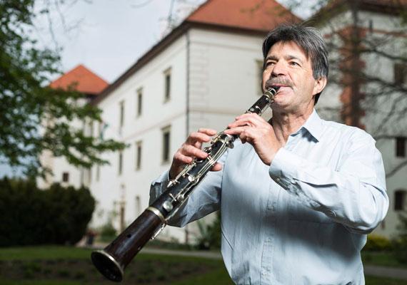"""2014 utolsó hungarikuma a tárogató. A Földművelésügyi Minisztérium közlése szerint """"egyedi hangzása, különleges hangszíne miatt a magyar lélek hangjaként is emlegetik"""" ezt a hangszert."""