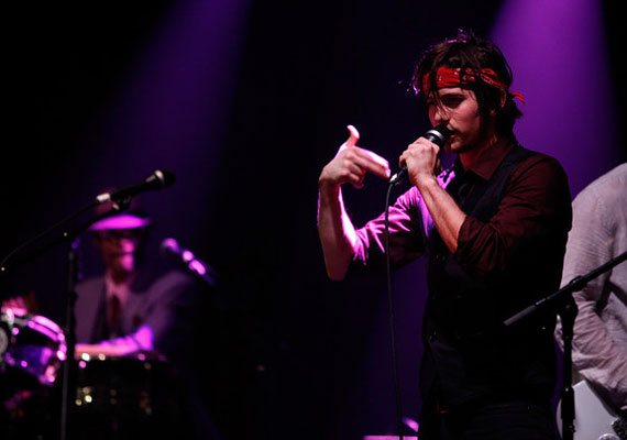 2011 májusában egy New York-i koncerten.