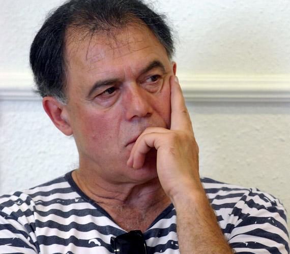 Gáspár Sándor az athéni színben játssza Ádám szerepét.