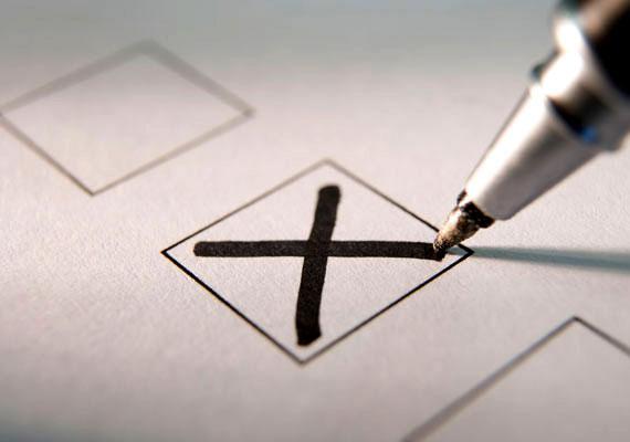 A Fidesz támogatottsága a tavaszi és az őszi választási időszakban is csúcsformában volt, népszerűsége közelített a 3 millió főhöz. Ez aztán az október végi fejleményekkel párhuzamosan fokozatos apadásba kezdett. Rekordnak számít, hogy a kormánypárt néhány hónap alatt 1,1 millió szavazót veszített – legalábbis ezt mutatják az Ipsos napokban publikált mérési eredményei.