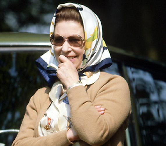 II. Erzsébet 56 évesen, 1982-ben az Egyesült Királyság legnagyobb szabadtéri lovas eseményén.
