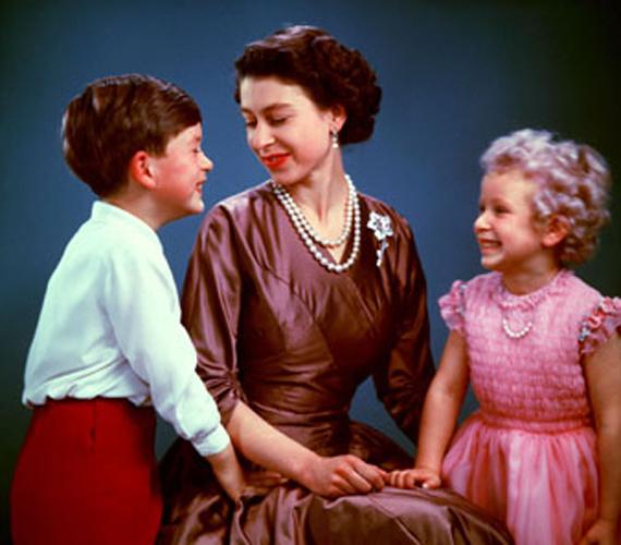 Károly herceggel és Anna hercegnővel 1954-ben.