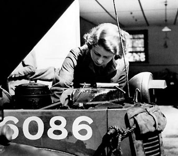 II. Erzsébet a második világháború alatt.