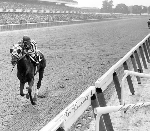 A csodás amerikai versenyló, Secretariat olyan sebesen vágtatott, hogy rekordját azóta sem sikerült megdönteni.