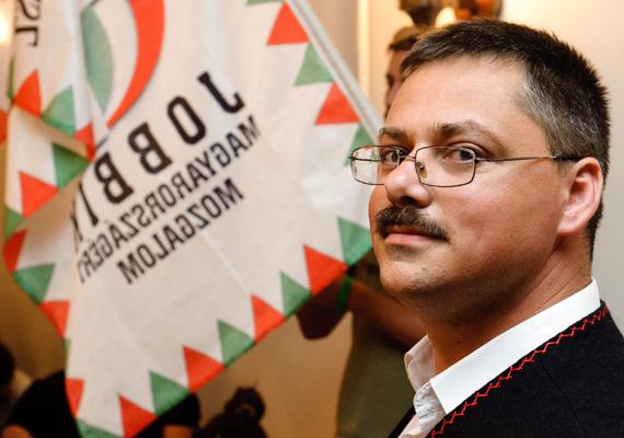 Juhász Oszkárt, a Jobbik képviselőjét július 17-én választották meg Gyöngyöspata új polgármesterének.