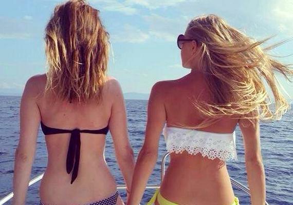 """Iszak Eszter egy nyaraláson készült fotóval búcsúztatta a nyarat. """"Goodbye summer... Kár, hogy idén nem jöttél..."""" - sajnálkozott Eszti."""