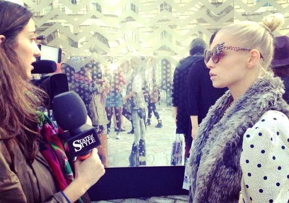 A magyar műsorvezetővel Londonban egy svéd csatorna készített interjút a stílusáról.