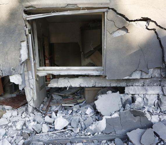 A palesztinok rakétákkal bombázzák Izraelt.