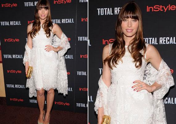 Jessica Biel a Total Recall New York-i premierén jelent meg ebben a gyönyörű, fehér ruhában - vajon az esküvőjére is hasonló darabot választ?